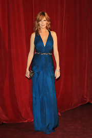 The pleating on Kelly Reilly's royal blue evening gown was to die for.