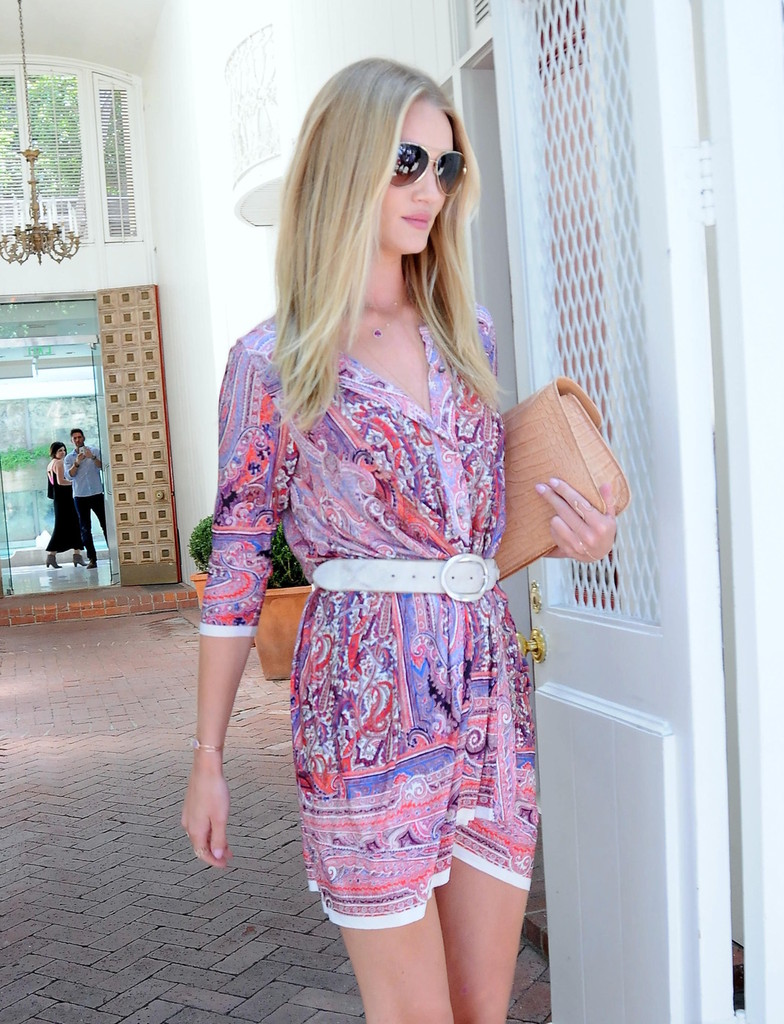 Rosie Huntington-Whiteley Runs Errands in LA — Part 2