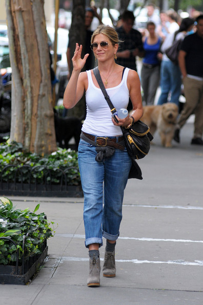 More Pics of Jennifer Aniston Boyfriend Jeans (3 of 8) - Jennifer Aniston Lookbook - StyleBistro
