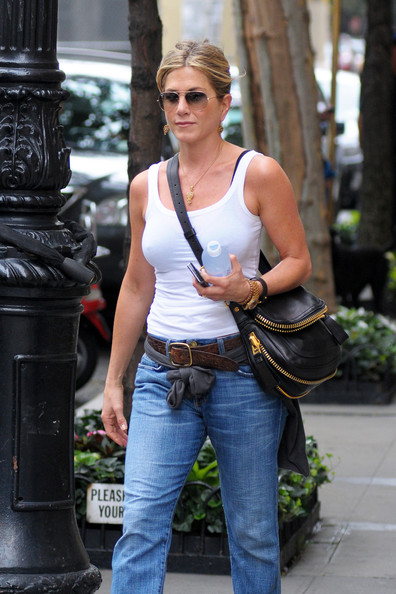 More Pics of Jennifer Aniston Boyfriend Jeans (2 of 8) - Jennifer Aniston Lookbook - StyleBistro