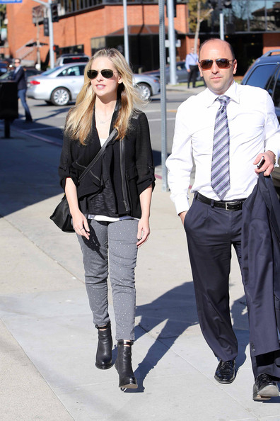 More Pics of Sarah Michelle Gellar Print Pants (1 of 13) - Skinny Jeans Lookbook - StyleBistro