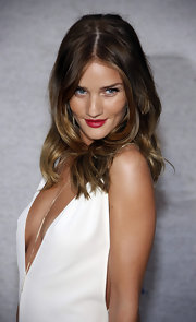 Rosie Huntington-Whiteley added a pop of bright cranberry lipstick to her look at the Spike TV 5th Annual Guys Choice Awards.
