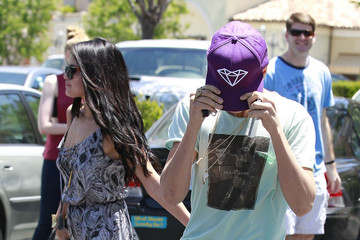 Selena Gomez Justin Bieber Selena Gomez and Justin Bieber Enjoy an Afternoon Movie Date