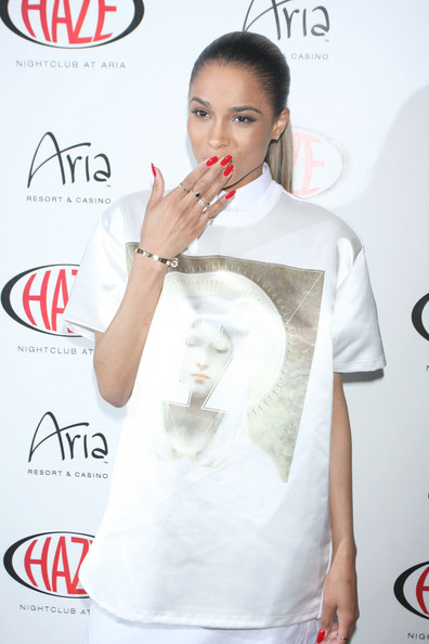 More Pics of Ciara T-Shirt (1 of 6) - Ciara Lookbook - StyleBistro