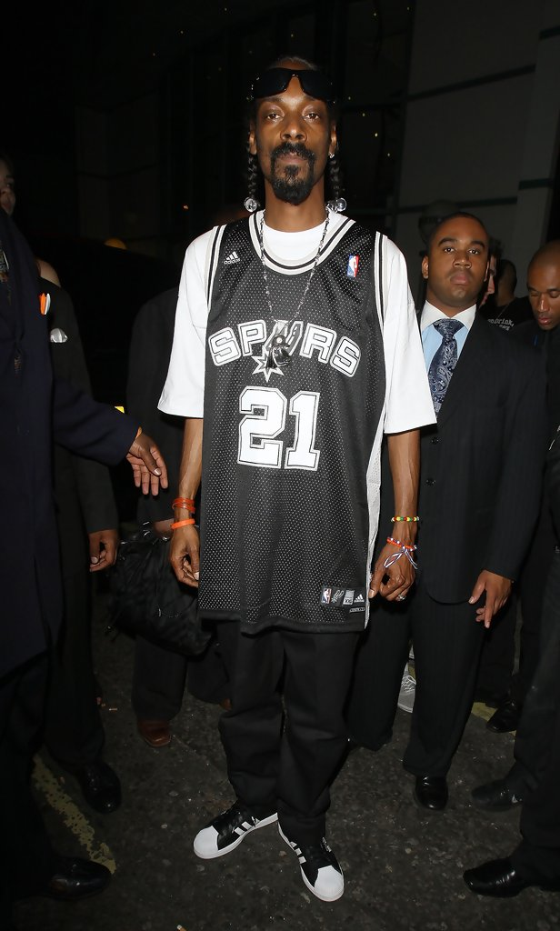 snoop dogg athletic top - snoop dogg looks