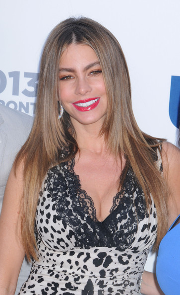 More Pics of Sofia Vergara Layered Cut (3 of 15) - Sofia Vergara Lookbook - StyleBistro