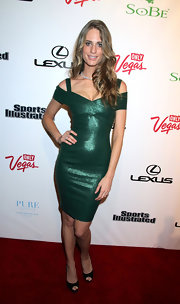Julie Henderson paired her green cocktail dress with black peep-toe pumps.