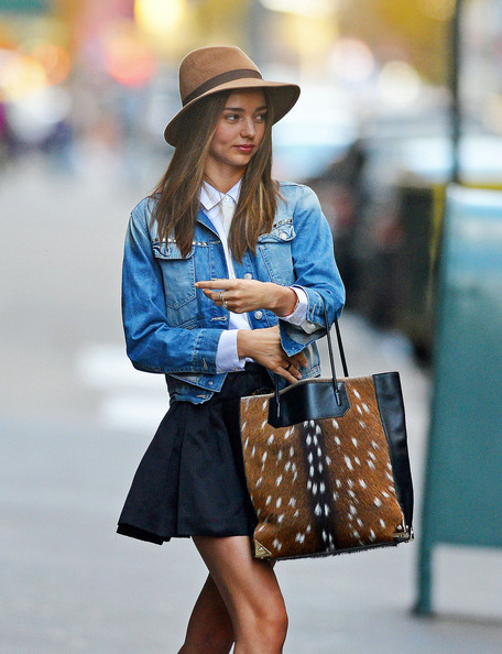 More Pics of Miranda Kerr Safari Hat (6 of 8) - Safari Hat Lookbook - StyleBistro []
