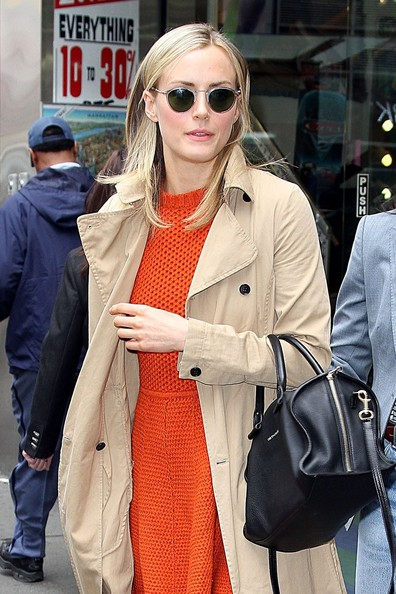 Taylor Schilling Round Sunglasses []