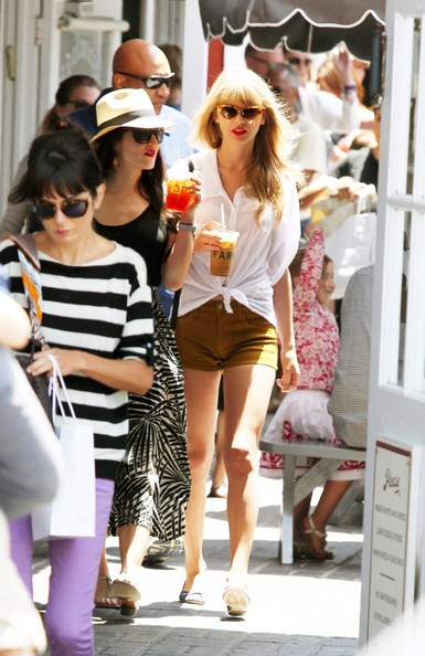 More Pics of Taylor Swift Cateye Sunglasses (2 of 8) - Taylor Swift Lookbook - StyleBistro