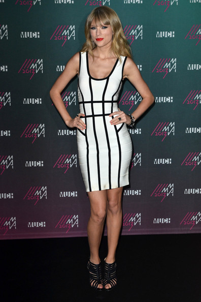 More Pics of Taylor Swift Bandage Dress (5 of 14) - Taylor Swift Lookbook - StyleBistro