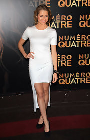 Teresa was white hot in a minimalist cocktail dress with a miniature train at the 'I am Number Four' premiere in Paris.