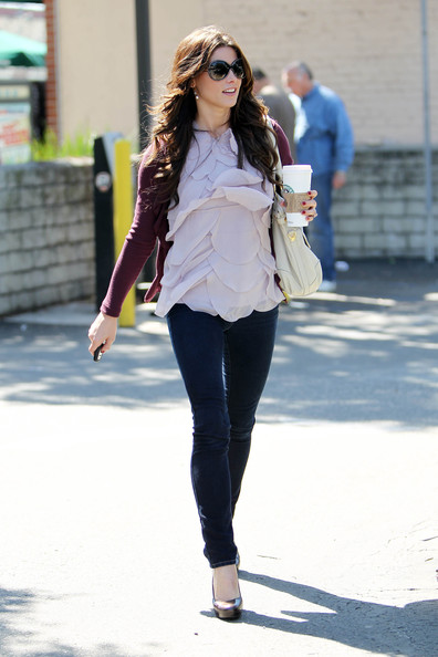 More Pics of Ashley Greene Oversized Satchel (1 of 38) - Oversized Satchel Lookbook - StyleBistro
