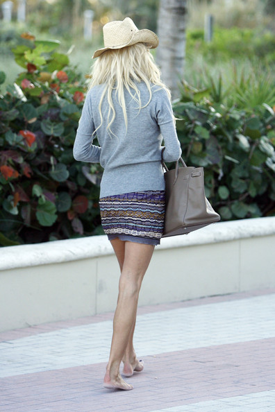 More Pics of Victoria Silvstedt Cowboy Hat (1 of 15) - Victoria Silvstedt Lookbook - StyleBistro