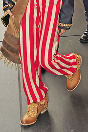 Studded boots are among Willow's style signatures. Here she stepped out in Frye-style tan boots.