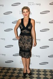 Elsa Pataky looked romantic and sultry in this lace bandage dress at the Samsung launch in London.