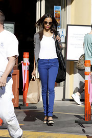 Zoe Saldana hopped on the colorful denim bandwagon in a pair of figure-skimming cobalt skinnies.