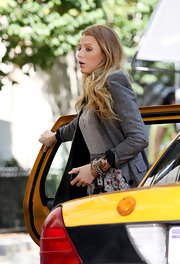 Blake showed off a darling chain embellished bangle bracelet while filming scenes for 'Gossip Girl'.