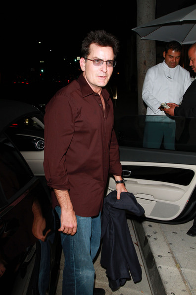More Pics of Charlie Sheen Button Down Shirt (2 of 21) - Charlie Sheen Lookbook - StyleBistro