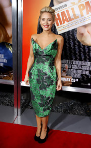 Nicky looked retro-fab at the premiere of 'Hall Pass' wearing a green strapless floral print frock.