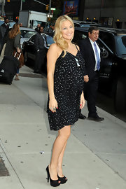 A glowing Kate Hudson was spotted outside the Ed Sullivan Theatre in black double platform peep-toe pumps