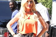 Tori Spelling Crop Top