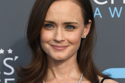 Alexis Bledel Shoulder Length Hairstyles