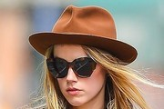 Amber Heard Dress Hats