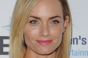 Amber Valletta Medium Straight Cut