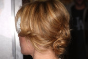 Elizabeth Banks Pinned Up Ringlets