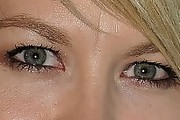 Jenna Elfman Neutral Eyeshadow