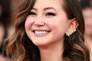 Kimiko Glenn Shoulder Length Hairstyles