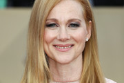 Laura Linney Shoulder Length Hairstyles