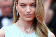 Martha Hunt Long Hairstyles