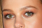 Nicola Peltz Neutral Eyeshadow