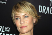 Robin Wright Penn's Short Layered Razor Cut at the NYC Premiere of 'The Girl With the Dragon Tattoo'