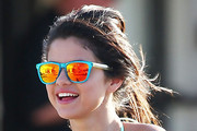 Selena Gomez Wears Ultra-Casual Hairstyle in Florida