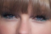 Taylor Swift Bright Eyeshadow