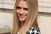 Teresa Palmer Rocks Long Straight Cut