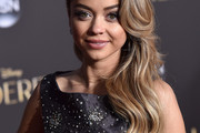 Sarah Hyland Side Sweep