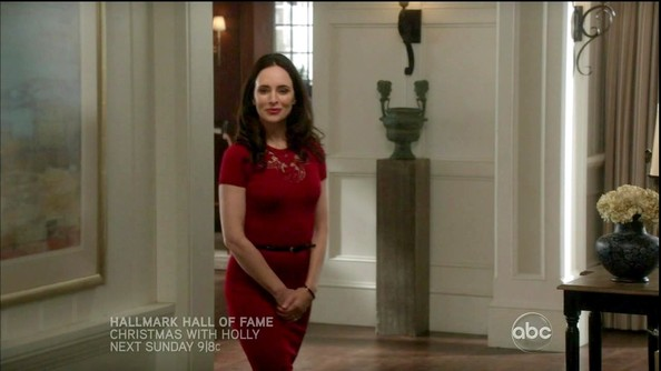 Madeleine Stowe was radiant in red on 'Revenge' in a tight crimson dress with a sheer lace neckline.