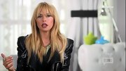 Rachel Zoe added just a dash of edge to her look with this gold spike necklace.