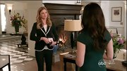 Emily VanCamp once again showed off her stellar style on 'Revenge' with this black blazer with white trim