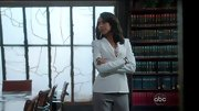 Kerry Washington opted for a crisp and clean white blazer for her look on 'Scandal.'