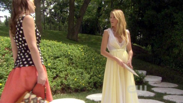 Blake Lively's Yellow Gown on 'Gossip Girl'