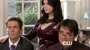 Michelle Trachtenberg looked positively divine on the season finale of 'Gossip Girl' in a dramatic Bourdeaux beaded dress.