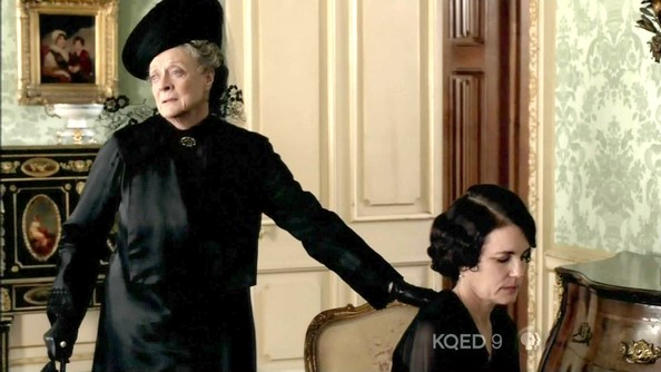 Maggie Smith Clothes