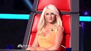 Christina loves to slip into super-tight body con dresses for 'The Voice.'