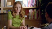 A funky green top totally complemented Jayma Mays' red hair on 'Glee.'