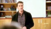Matthew Morrison looked cool and casual on 'Glee' when he wore a basic green shawl-collar cardigan.